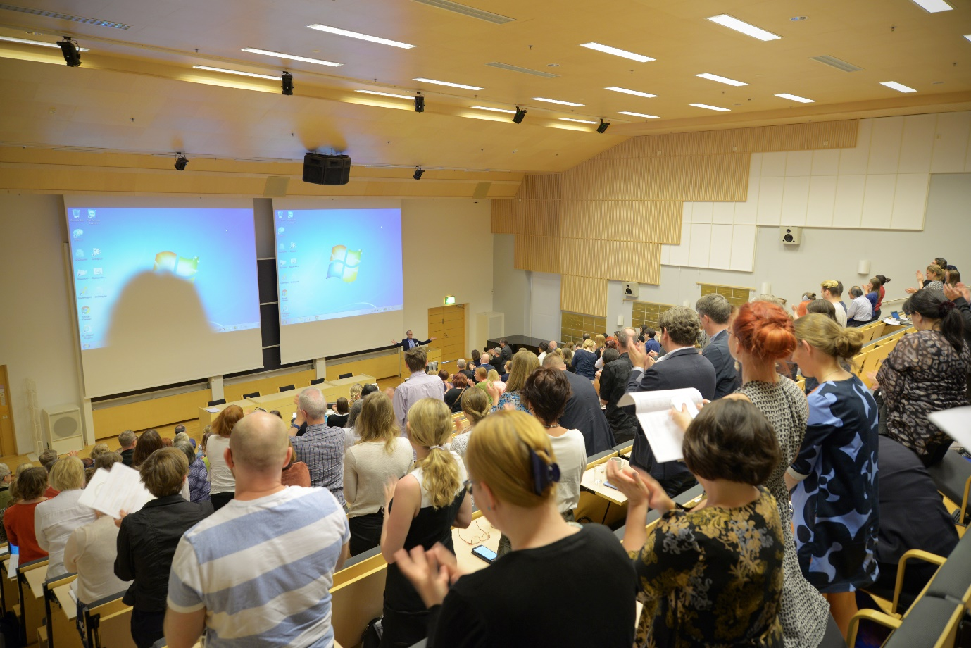 JYU tradition of a standing ovation was practiced after every presentation