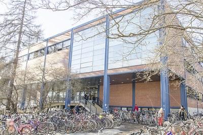 Jyväskylän yliopiston kirjastosta moderni avoimen tiedon keskus ja kohtaamispaikka