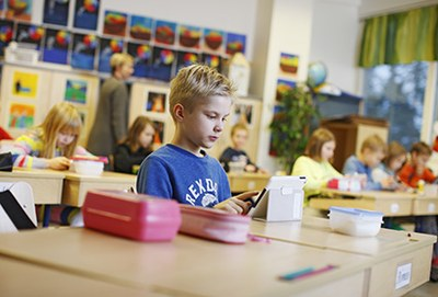 Uudenlaiseen lukutaitoon – LUKILOKI kouluttaa 1500 opettajaa