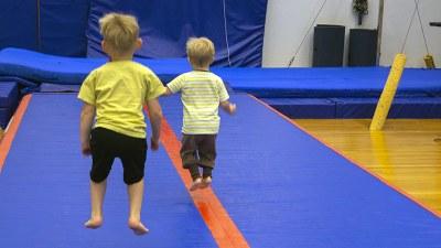 Haastaviksi koetut lapset saavat vanhemmiltaan vähemmän tukea liikuntaan