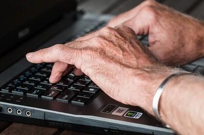 Ikääntyneiden terveyttä edistävään teknologiaan kannattaa investoida