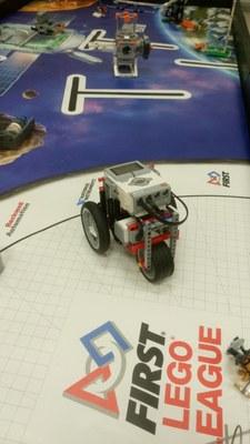 Yhdeksän joukkuetta osallistuu robottikisan Keski-Suomen aluekarsintaan