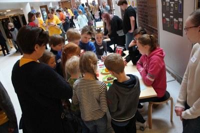 Lasten ja nuorten tiede- ja teknologiaprojektit palkittiin StarT-festareilla