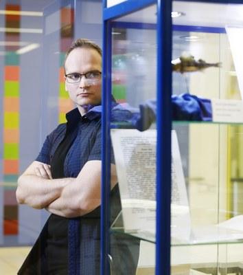 Arto Ikonen: Avoimet julkaisut täydentävät kirjastojen kokoelmia