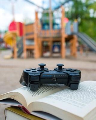 Kirjastos eka kirjastos vika – tämän päivän lukutaito on muutakin kuin kirjoitettuja tekstejä