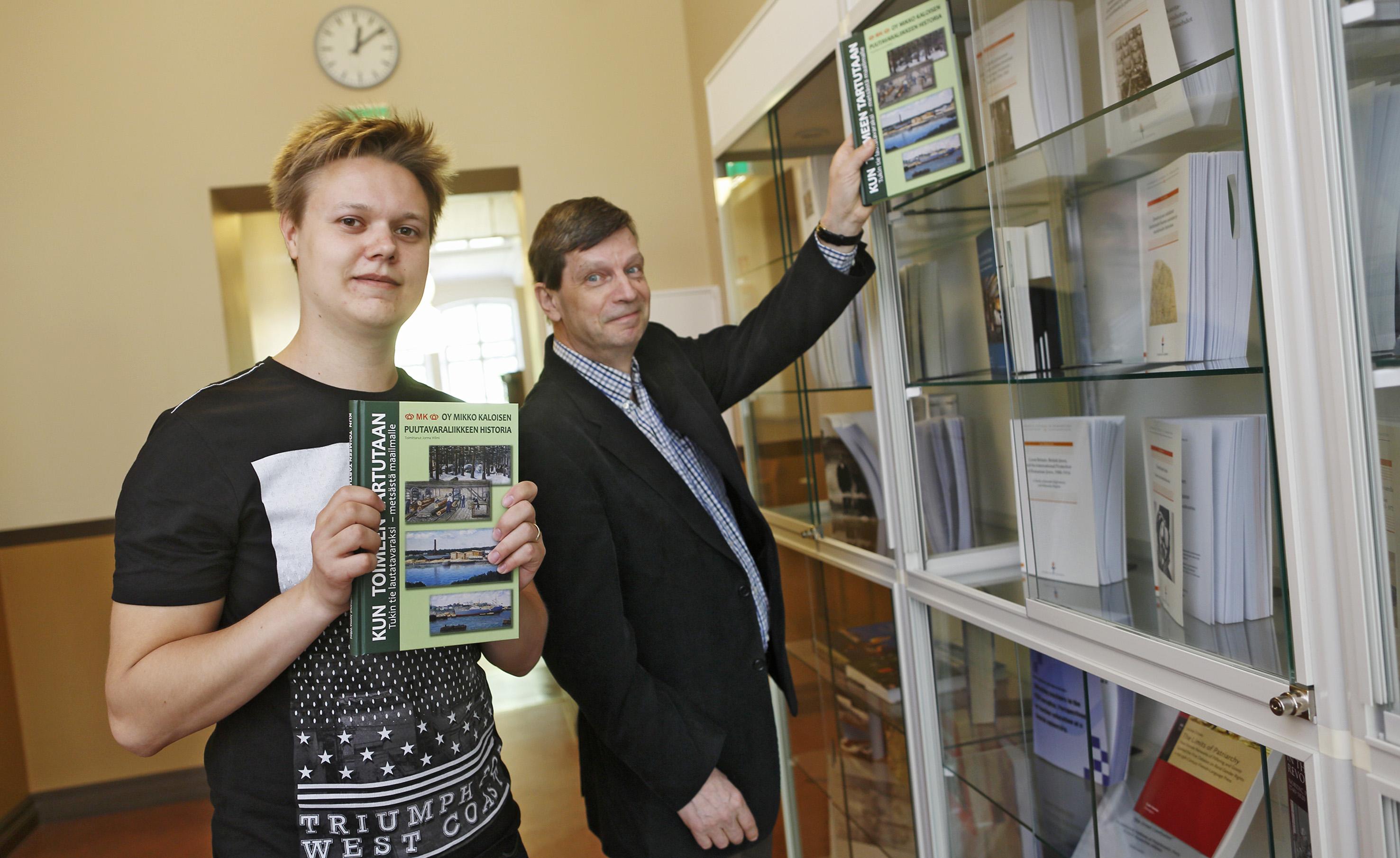 Mikko Kaloisen puutavaraliikkeen historiateos
