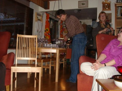 06-10-10 party01