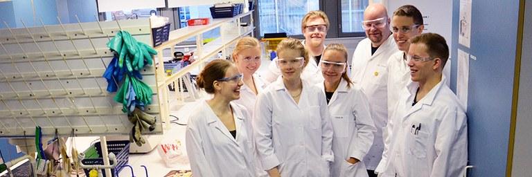 kemia_students2.jpg